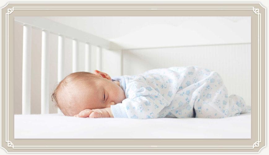 Как выбрать лучший матрас в кроватку для новорожденных?