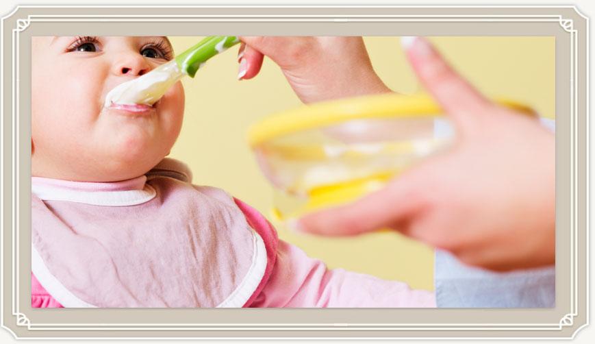 С какой каши начинать прикорм, а какую лучше не давать малышу?