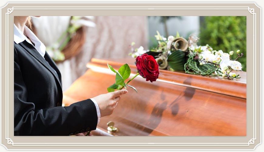 Можно ли беременным ходить на похороны и чего бояться?