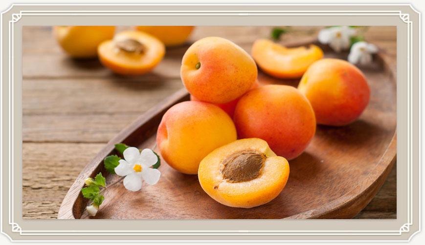 Чем полезны абрикосы и кому нужно их есть?
