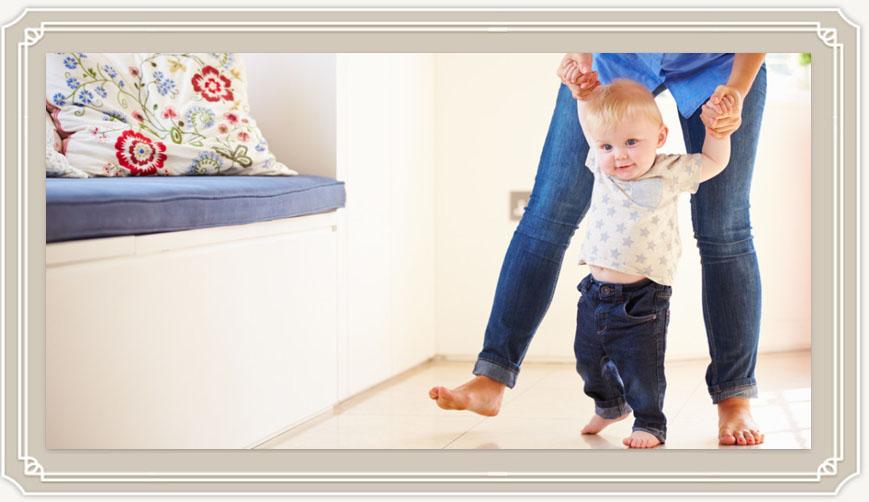 Как научить ребенка ходить самостоятельно без поддержки?
