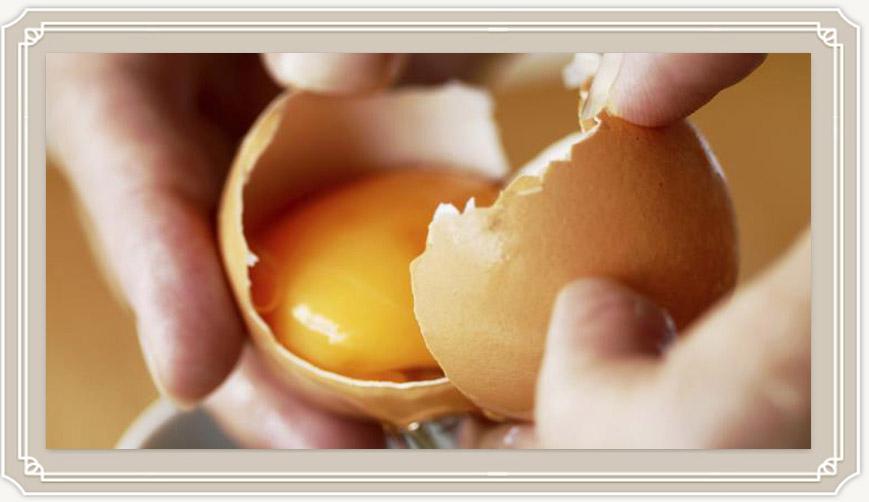 Как вводить яйцо в прикорм ребенку правильно?