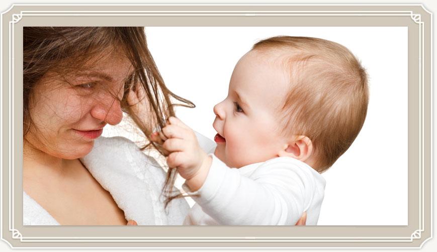 Можно ли красить волосы при кормлении грудью и как делать это безопасно?