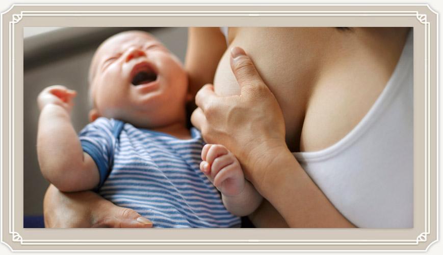 Что нужно делать если новорожденный подавился молоком?