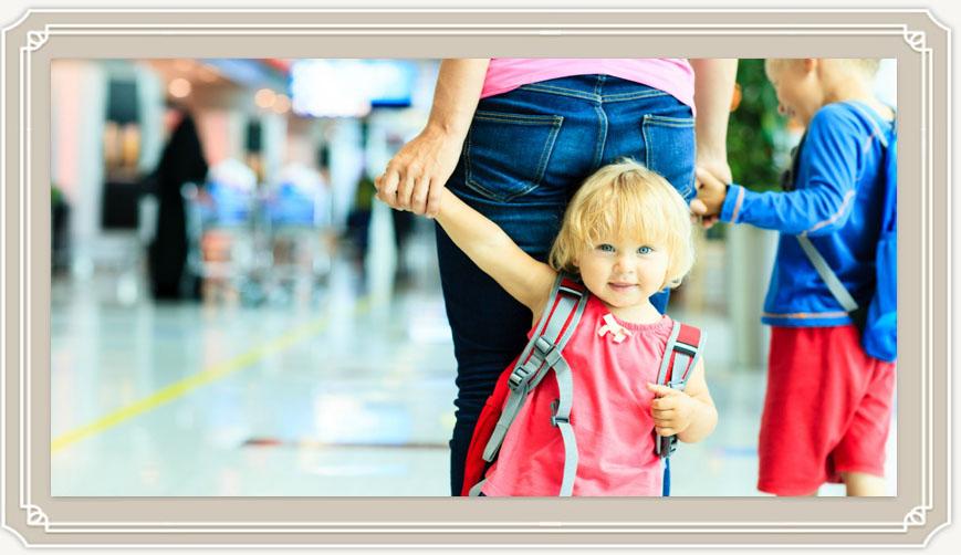 Во сколько месяцев ребенок начинает ходить?